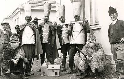 the vertep is a serbian orthodox christmas custom on christmas eve and christmas day a group of boys dressed in variegated costumes goes from house to - When Is Serbian Christmas